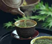 The beauty benefits of tea clubbed with its medicinal properties make tea one of the most popular hot beverages.