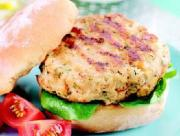 Turkey burger with fresh vegetables can be a healthy dinner