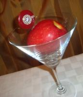 soak apple in vodka