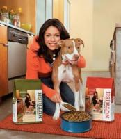 Rachael Ray donates a large sum for pets welfare in the aftermath of Superstorm Sandy