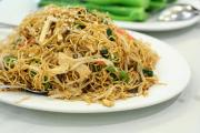 Eat Chinese Chow Mein