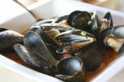 Steamed Mussels In Pepper Broth