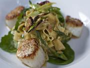 Scallops With Linguine And Spinach