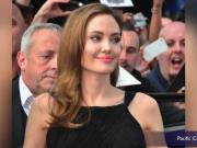 Angelina Jolie Removes Ovaries After Cancer Scare