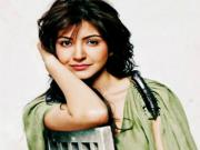 Anushka Sharmas First Item Song In Dil Dhadakne Do