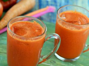 Carrot And Red Pepper Juice Healthy Juice By Tarla Dalal