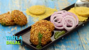 Moong Dal And Paneer Tikki Low Calorie Snack 1018278 By Tarladalal