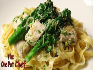 Creamy Chicken And Leek Fettuccine