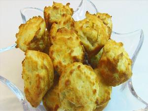 Bettys Cream Cheese Mini Biscuits Only 3 Ingredients