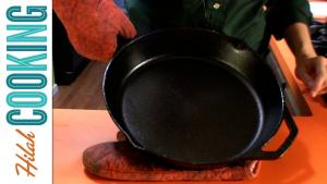 How To Season A Cast Iron Skillet 1019231 By Hilahcooking
