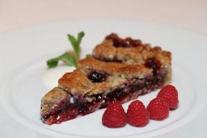 Raspberry Almond Linzer Torte