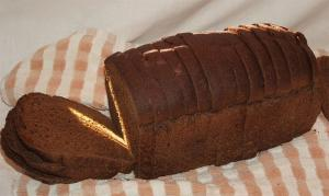 Simple Pumpernickel Bread