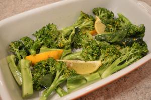 How To Roast Broccoli With Lemon Wedges 1017973 By Cookingwithkimberly