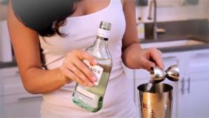 How To Make A Classic Daiquiri Cocktail 1011110 By Fexymedia
