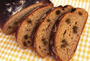 Raisin Black Rye Bread