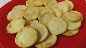 Thin And Crisp Water Crackers