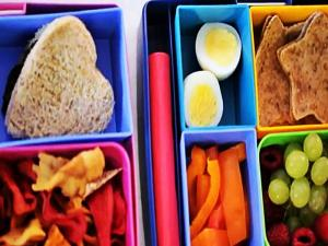 How To Get Your Kids To Eat A Healthy Lunch