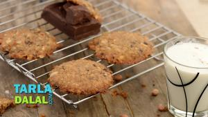 Chocolaty Coconut Peanuty And Orange Cookies Recipe In Hindi Christmas Recipe 1019551 By Tarladalal