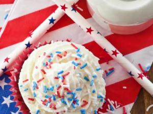 6 Fun Patriotic Ways To Celebrate Memorial Day