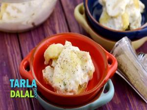Potato In Cottage Cheese Sauce