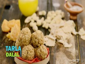 Quick Churma Laddoos
