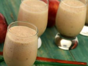 Apple Cinnamon Soya Shake Diabetic Recipe By Tarla Dalal