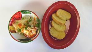 Bettys Hot Pizza Dip With Toasted Baguette Slices 1016732 By Bettyskitchen