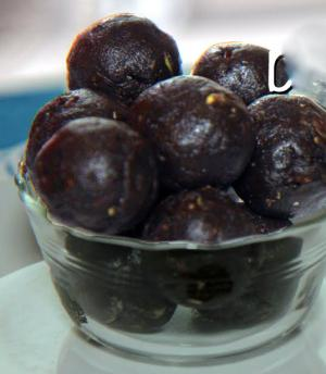 Easy Chocolate Crunch Protein Balls Recipe