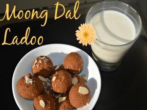 Mung Dal Ladoo