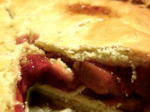 Rhubarb Strawberry Deep Dish Pie