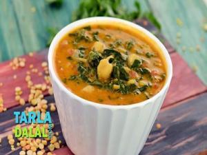 Mixed Dal With Spinach N Kabuli Chana
