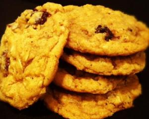 Walnut Raisin Cookies
