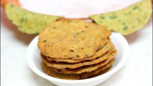 Kadak Methi Masala Puri Wheat Fenugreek Crisps 1019569 By Bhavnaskitchen