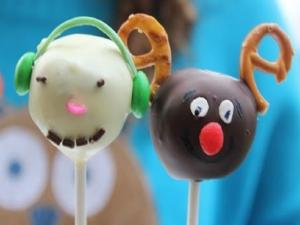 Snowman And Reindeer Cake Pops