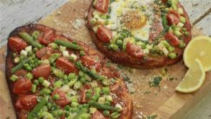Spring Naan Bread Pizzas 1006078 By Videojug