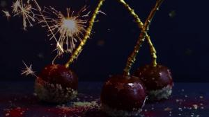 The Recipe Show By Rattan Direct Bonfire Night Toffee Apples 1019802 By Thefoodchannel