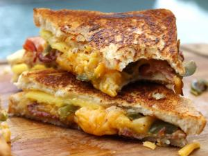 How To Make A Fancy Grilled Cheese Sandwich A