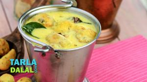 Rajasthani Pakoda Kadhi Recipe In Hindi 1018337 By Tarladalal