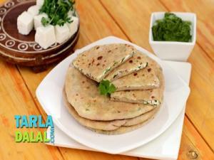 Paneer And Onion Stuffed Paratha