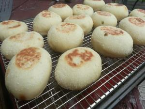 Jalapeno Cheddar English Muffins Easy English Muffin Recipe On The Euro Q