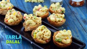 Mini Macaroni Buns