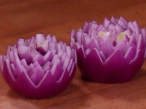 Red Onion Mums Garnish