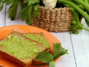 Celery Garlic Toast Diabetic And Healthy Heart Recipe By Tarla Dalal