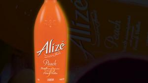 Aliz Peach Passion Review French Vodka 1017194 By Commonmancocktails