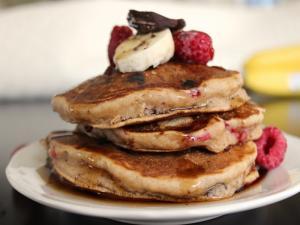 How To Make Banana Chocolate And Raspberry Pancakes