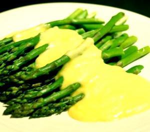 Asparagus With Cheddar Sauce
