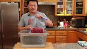 How To Seal Food Using The Water Displacement Method 1018461 By Seriouseats