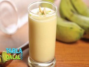 Fruit And Nut Milkshake