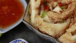 How To Make Chilli Squid 1006077 By Videojug