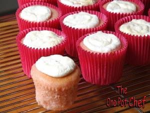 2 Ingredient Soda Cupcakes